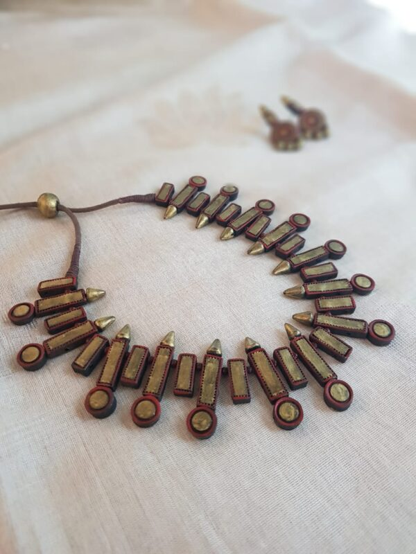 Gold and rust terracotta necklace2