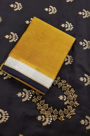 Honey mustard kora kanchipuram dupatta with silver zari border