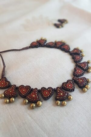 Maroon terracotta necklace