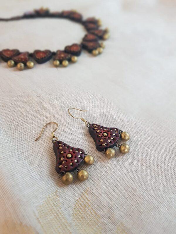 Maroon terracotta necklace1
