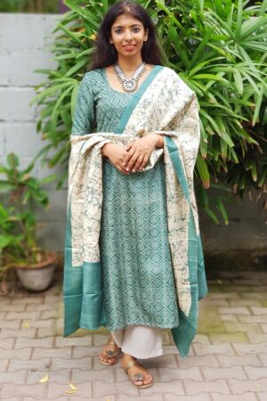 Peacock green and beige batik dupatta set