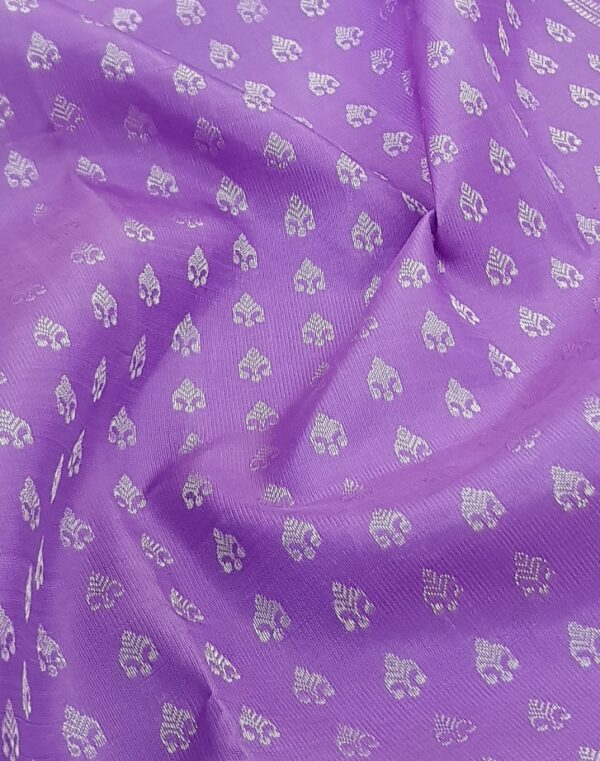 Purple kanchipuram silk sareePurple kanchipuram silk saree with silver zari2 with silver zari2