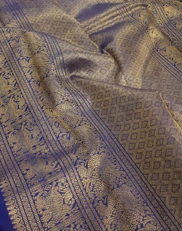 Blue silk saree mayil chakram1