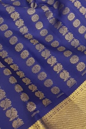 Blue silk saree mayil chakram3