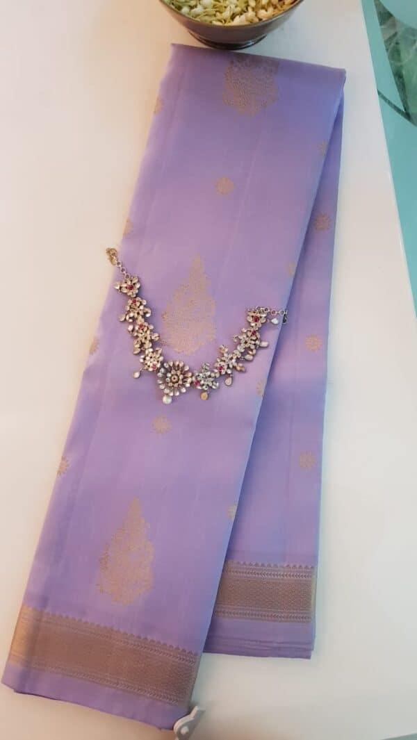 Lilac kanchipuram silk saree with buttis