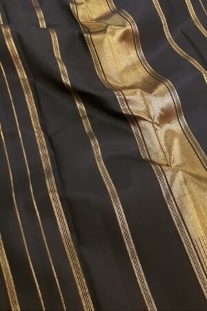 black and rust half and half kanchipuram silk saree1