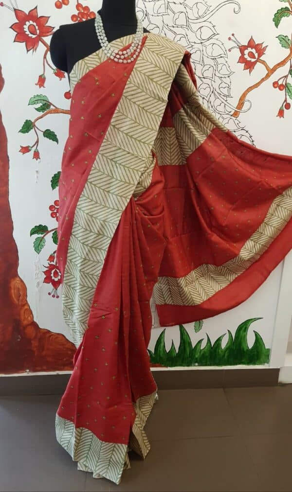 Red beige and green saree with kutch work with regular border4