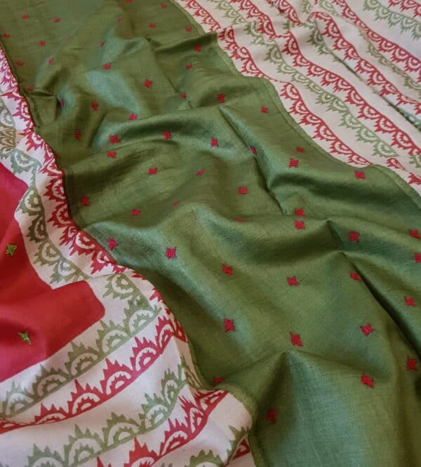 Red beige and green saree with kutch work2