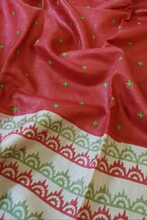 Red beige and green saree with kutch work3