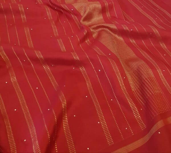 beige and red kutch work3