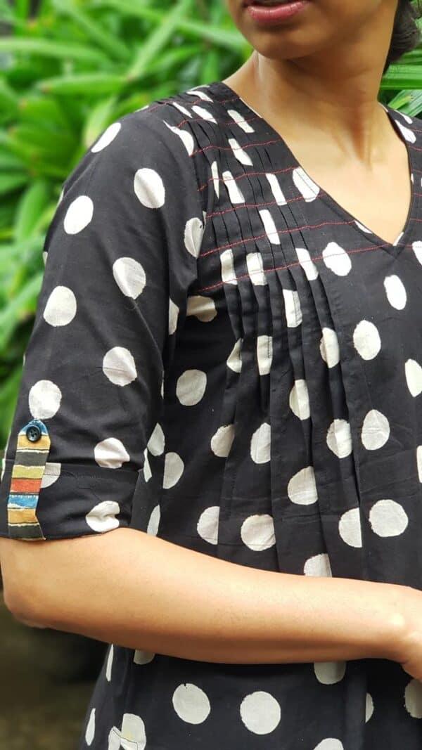 black cotton set with dots2