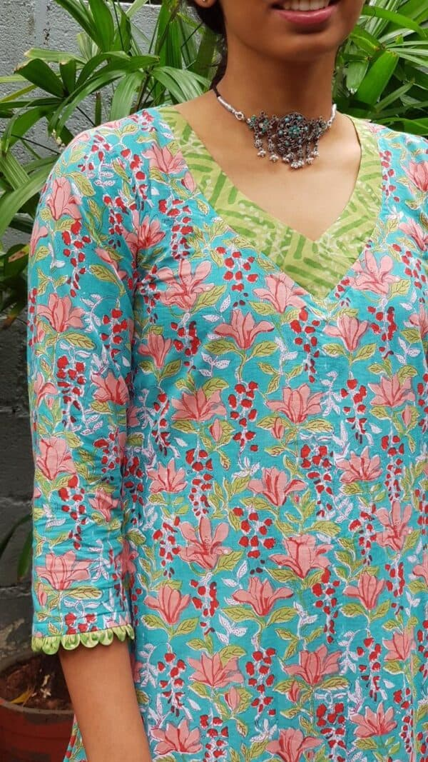 blue floral top with peach prints1