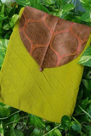 green saree pouch3