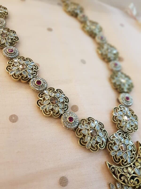 long silver necklace1