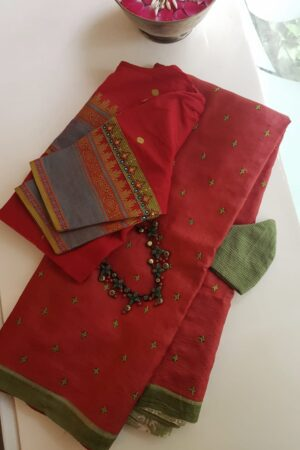 red and green half half tussar saree with kutch work2