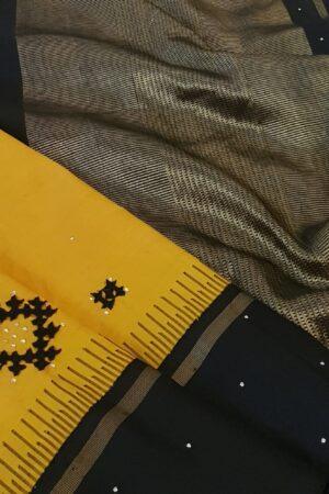 yellow and black kutch work3