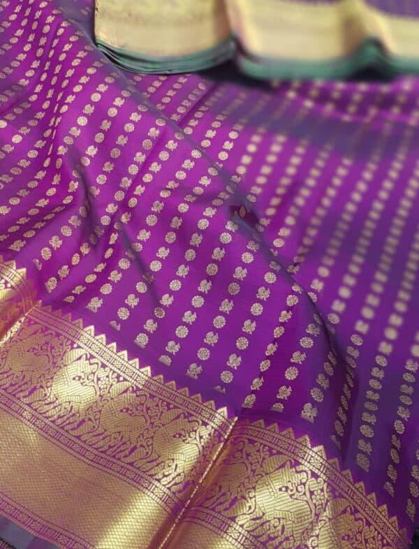 Violet mayil chakram with border