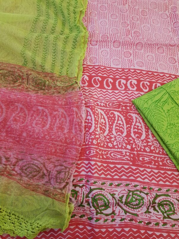 crochet dupatta pink and green