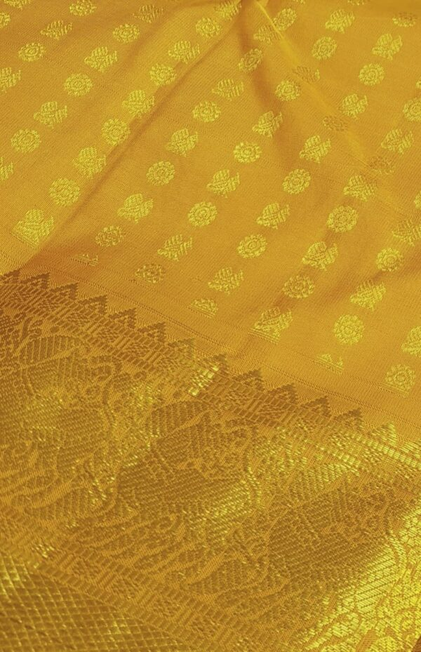 mustard mayil chakram with border