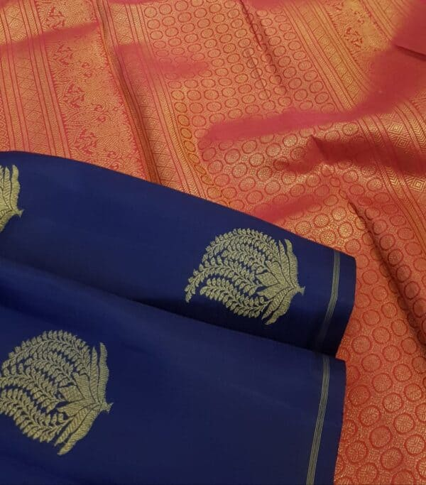 navy blue kanchipuram silk saree with pink pallu2