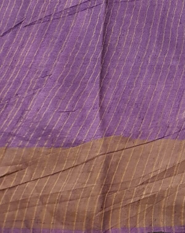 pale green with violet border2