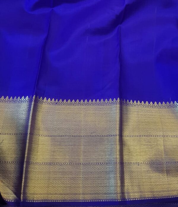 red kanchi silk saree with blue border4