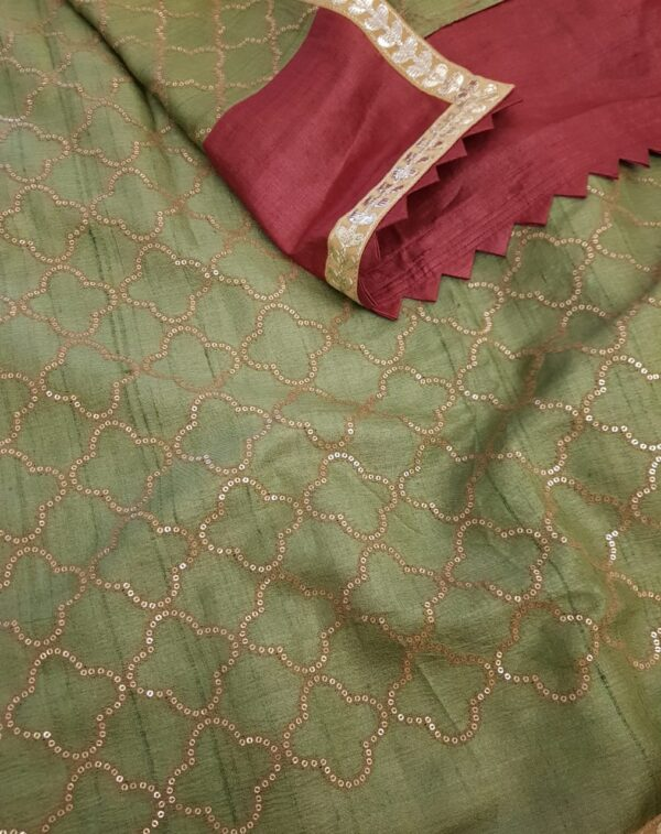 red with green pallu1