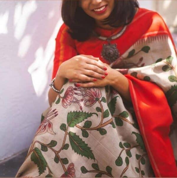 Aavaranaa exclusive red border korvai kalamkari saree 2