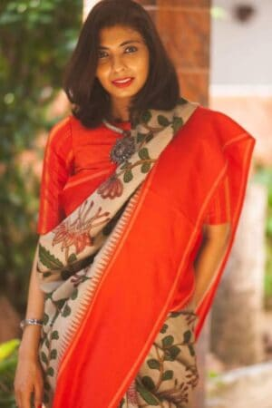 Aavaranaa exclusive red border korvai kalamkari saree