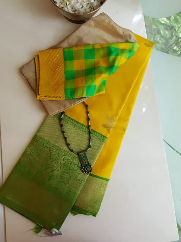 mustard with green border