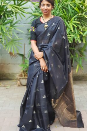 Black tussar saree with temple motifs2