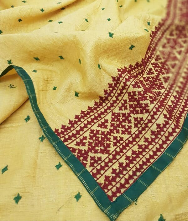 golden yellow organza saree with kutch work and block print4
