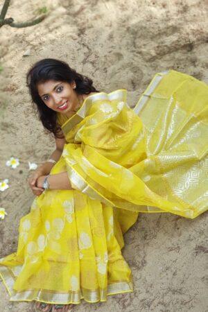 yellow kota saree with silver zari1