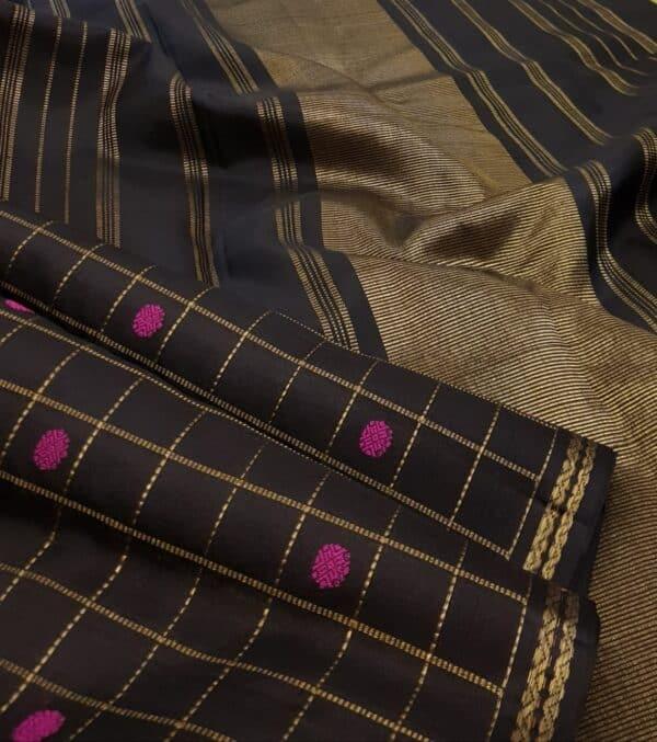 black kora with pink buttas1