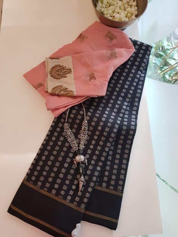 black mayil chakram