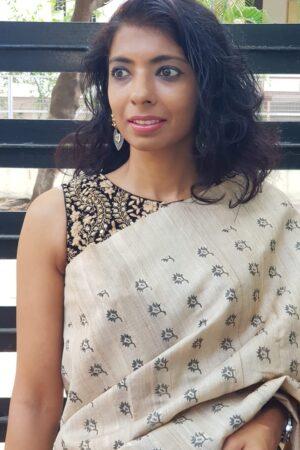black velvet blouse with embroider2