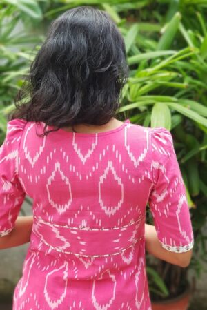 pink ikat top with white floral pants1