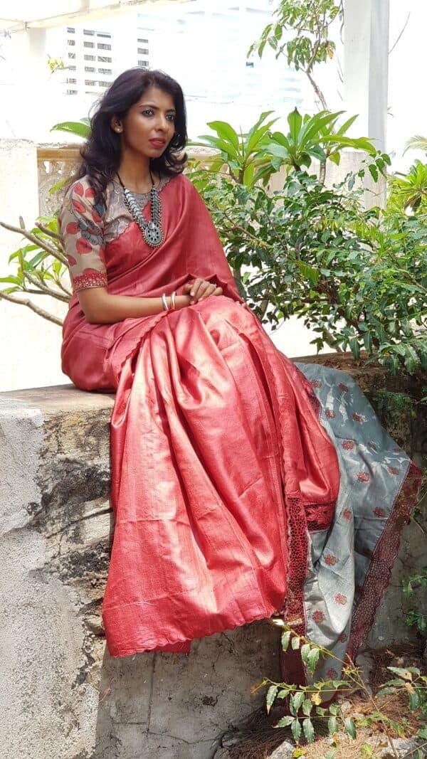 red with grey pallu1
