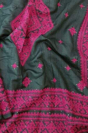 black tussar saree with pink kutch work4