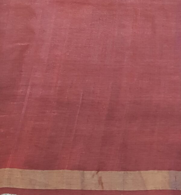 maroon tussar saree with floral pints and sequins woven3