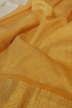 mustard and off white korvai kanchipuram silk saree3