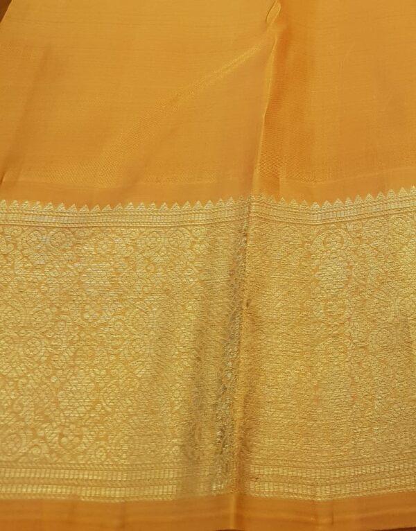 mustard and off white korvai kanchipuram silk saree4