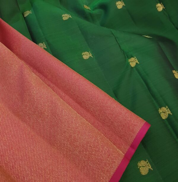 pink an dbottle green shoulder silk saree2