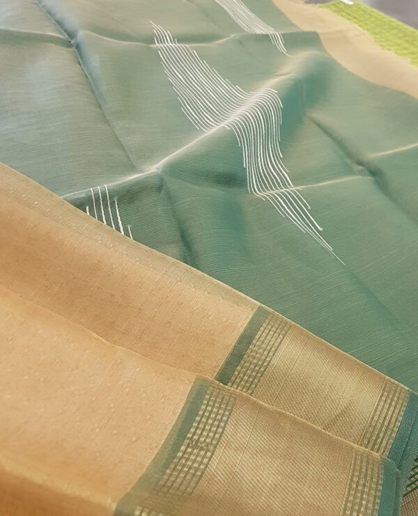 gold with green tissue tussar saree4