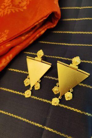 suhani triangle stud